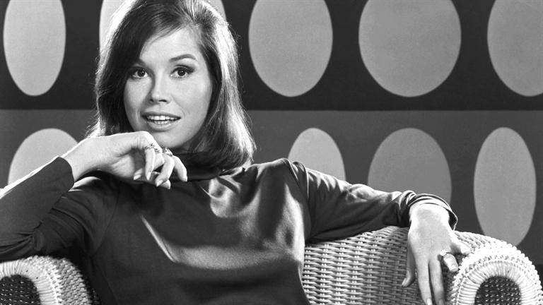 Mary-Tyler-Moore_From-Gams-to-Glitz_HD_768x432-16x9